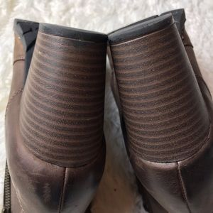 Clarks Shoes - Clarks Bendable Ankle Boots 9M
